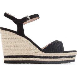 Rzymianki damskie: Sandały na koturnie HG933
