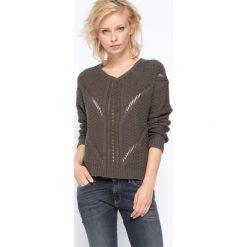 Swetry klasyczne damskie: Blue Seven – Sweter