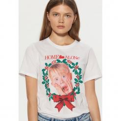 Koszulka Home Alone - Biały. Białe t-shirty damskie marki Cropp, l. Za 49,99 zł.