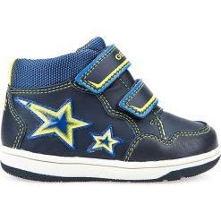 """Sneakersy """"New Flick"""" w kolorze granatowo-żółtym. Niebieskie trampki chłopięce marki geox kids, z gumy. W wyprzedaży za 125,95 zł."""