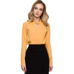 Żółta Elegancka Bluzka z Przeplecioną Stójką. Żółte bluzki asymetryczne Molly.pl, l, biznesowe, dekolt w kształcie v, z długim rękawem. Za 99,90 zł.