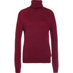 Swetry klasyczne damskie: Barbour MILL ROLL COLLAR Sweter carmine