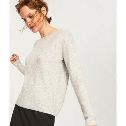 Sweter z perełkami - Jasny szar. Szare swetry klasyczne damskie Reserved, l. Za 79,99 zł.