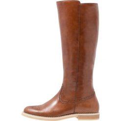 Pier One Kozaki cognac. Brązowe buty zimowe damskie marki Pier One, z materiału. W wyprzedaży za 335,20 zł.