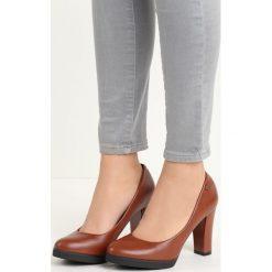 Brązowe Czółenka Speciality. Brązowe buty ślubne damskie Born2be, na wysokim obcasie, na słupku. Za 69,99 zł.