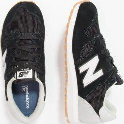 New Balance KL520 Tenisówki i Trampki black. Czarne tenisówki męskie New Balance, z materiału. W wyprzedaży za 216,75 zł.