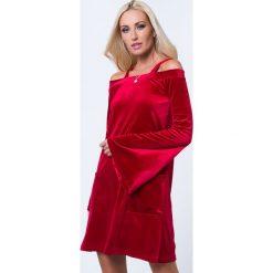 Sukienka welurowa z ramiączkami czerwona 1599. Czerwone sukienki Fasardi, l, z weluru. Za 59,00 zł.