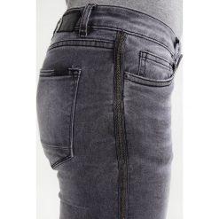 Circle of Trust POPY Jeansy Slim Fit crush grey. Brązowe jeansy damskie relaxed fit marki Circle of Trust, xl, z materiału. W wyprzedaży za 227,40 zł.