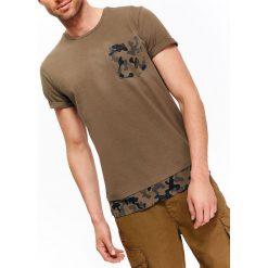 T-SHIRT MĘSKI Z ELEMENTAMI MORO. Brązowe t-shirty męskie marki Top Secret, na lato, m, moro. Za 24,99 zł.