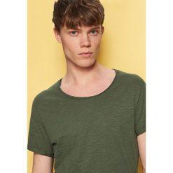 T-shirty męskie: T-shirt basic z podwiniętym rękawem – Zielony