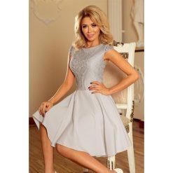 Sukienka MARIA z koronką - JASNO SZARA. Szare sukienki koronkowe marki numoco, s, w koronkowe wzory, rozkloszowane. Za 189,99 zł.