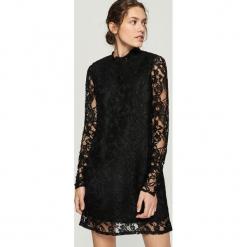 Koronkowa sukienka - Czarny. Czarne sukienki koronkowe marki Sinsay, l. Za 79,99 zł.