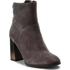 Botki KARINO - 2230/002-F Szary. Fioletowe buty zimowe damskie marki Karino, ze skóry. W wyprzedaży za 259,00 zł.