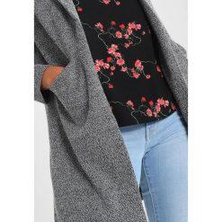 Płaszcze damskie pastelowe: Vero Moda VMLOUISA NEW OPEN  Krótki płaszcz light grey melange
