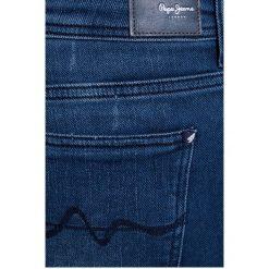 Pepe Jeans - Jeansy Flexy. Niebieskie boyfriendy damskie Pepe Jeans. W wyprzedaży za 219,90 zł.