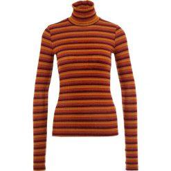 IBlues NOTABLE Sweter orange. Czerwone swetry klasyczne damskie marki iBlues, l, z materiału. Za 389,00 zł.