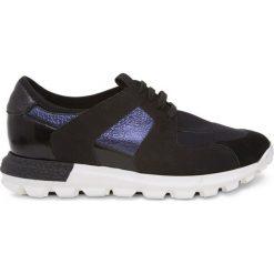 Simple - Buty. Czarne buty sportowe damskie Simple, z materiału. W wyprzedaży za 259,90 zł.