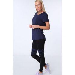 T-shirt luźny fason ciemnoniebieski MR16618. Niebieskie t-shirty damskie Fasardi, l. Za 39,00 zł.