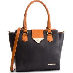 Torebka WITTCHEN - 4Y-404-1 Czarny. Czarne torebki klasyczne damskie Wittchen, ze skóry ekologicznej. Za 329,00 zł.