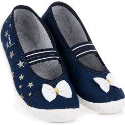 Buciki niemowlęce chłopięce: ADELYNN buty domowe na gumkę raweks