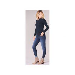 Swetry Guess  CECILIA. Niebieskie swetry klasyczne damskie marki Guess, z materiału. Za 349,00 zł.