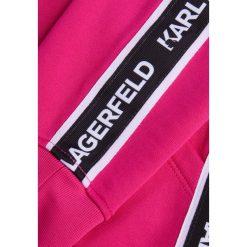 KARL LAGERFELD TERRY Bluza z kapturem pink. Czerwone bluzy rozpinane damskie KARL LAGERFELD, xl, z bawełny, z kapturem. Za 739,00 zł.