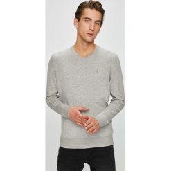 Tommy Hilfiger - Sweter. Szare swetry klasyczne męskie TOMMY HILFIGER, l, z bawełny. Za 399,90 zł.