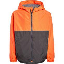 GAP BOYS WINDBUSTER Kurtka przeciwdeszczowa neon orange. Brązowe kurtki chłopięce przeciwdeszczowe GAP, z materiału. Za 199,00 zł.