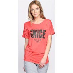 Koralowy T-shirt Just Be Nice. Pomarańczowe bluzki damskie Born2be, l. Za 39,99 zł.