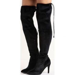 Czarne Kozaki Holla. Czarne buty zimowe damskie Born2be, z materiału, ze szpiczastym noskiem, na wysokim obcasie, na szpilce. Za 119,99 zł.
