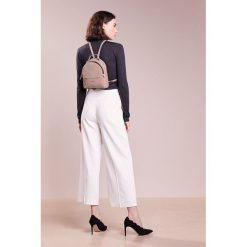 Plecaki damskie: Coccinelle CLEMENTINE SOFT MINI BACKPACK Plecak pivoine