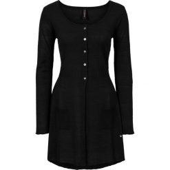 Długi sweter rozpinany bonprix czarny. Czarne kardigany damskie marki bonprix, z dzianiny. Za 89,99 zł.