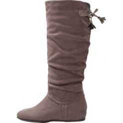 Anna Field Kozaki na koturnie grey. Szare buty zimowe damskie marki Anna Field, z materiału, na koturnie. W wyprzedaży za 135,20 zł.