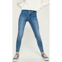 Jeansy skinny high waist - Niebieski. Niebieskie boyfriendy damskie Sinsay, z jeansu, z podwyższonym stanem. W wyprzedaży za 59,99 zł.