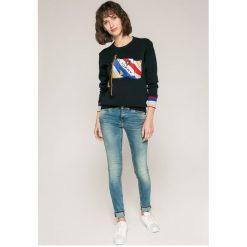 Tommy Jeans - Jeansy Nora. Niebieskie jeansy damskie marki Tommy Jeans, z bawełny. W wyprzedaży za 399,90 zł.