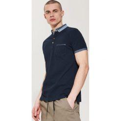 Koszulki polo: Koszulka polo z kołnierzykiem w kontrastowym kolorze – Granatowy