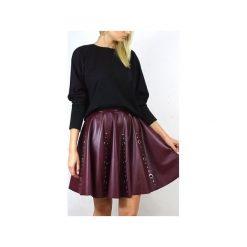 Spódniczki rozkloszowane: Spódnia z dziurkami – burgund