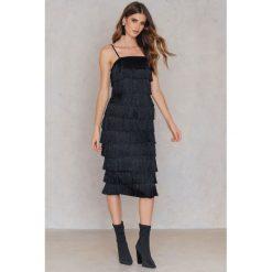 Sukienki hiszpanki: Lavish Alice Sukienka midi Fringe – Black