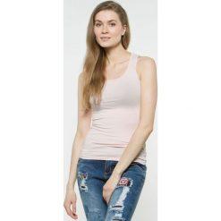 Bluzka basic bokserka pudrowy róż. Czerwone bluzki z odkrytymi ramionami Yups, l, z bawełny, młodzieżowe. Za 29,99 zł.