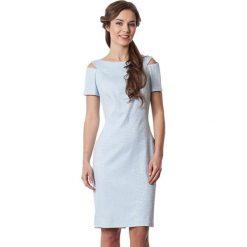 Sukienki hiszpanki: Sukienka w kolorze jasnoniebieskim
