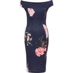 Sukienka w kwiaty bonprix ciemnoniebiesko-jasnoróżowy. Niebieskie sukienki hiszpanki bonprix, w kwiaty, z kołnierzem typu carmen. Za 119,99 zł.