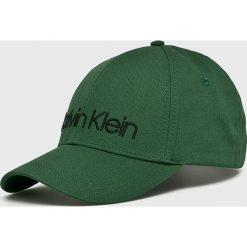 Calvin Klein - Czapka. Zielone czapki z daszkiem męskie Calvin Klein. Za 139,90 zł.