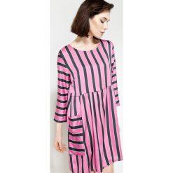 Fuksjowa Sukienka Straight Line. Różowe sukienki letnie marki other, uniwersalny. Za 54,99 zł.