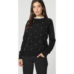 Swetry klasyczne damskie: Sweter w kolorze czarnym