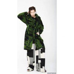 Wełniany płaszcz, zimowy, z nadrukiem. Czerwone płaszcze damskie wełniane marki Cropp, na zimę, l. Za 720,00 zł.