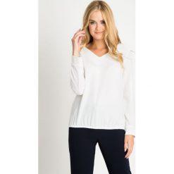 Bluzki damskie: Biała bluzka bombka QUIOSQUE