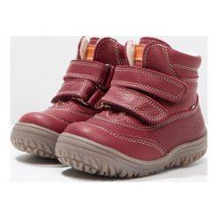 Kavat ODEN Śniegowce bordeaux. Czerwone buty zimowe damskie Kavat, z materiału. W wyprzedaży za 246,95 zł.