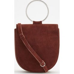 Skórzana torebka z okrągłym uchwytem - Brązowy. Brązowe torebki klasyczne damskie Reserved. Za 249,99 zł.