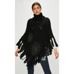 Desigual - Sweter. Czarne swetry klasyczne damskie marki DOMYOS, uniwersalny. W wyprzedaży za 299,90 zł.