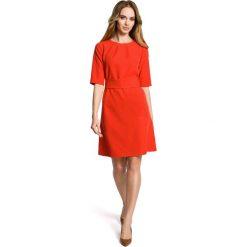 Czerwona Sukienka Trapezowa przed Kolano z Paskiem. Czerwone sukienki na komunię Molly.pl, na co dzień, l, w paski, z okrągłym kołnierzem, oversize. Za 126,90 zł.